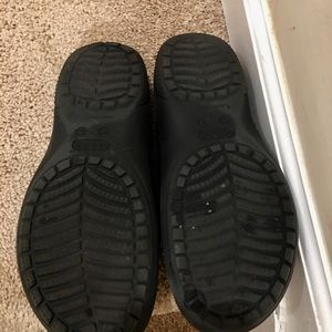 CROCS Shoes - FLEECE LINEDComfy EUC 🐊 CROCS🐊 So COZY 🧣🔥